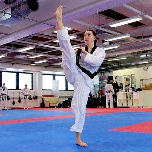 Iloa Terveestä kehosta – Urheilijan kehonhuoltoa  Laura Pihkala,Taekwondo